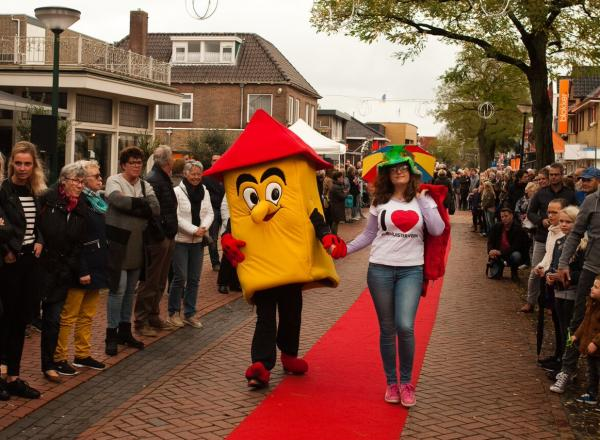 14 april: Grootse modeshow met fantastische acties en side-shows